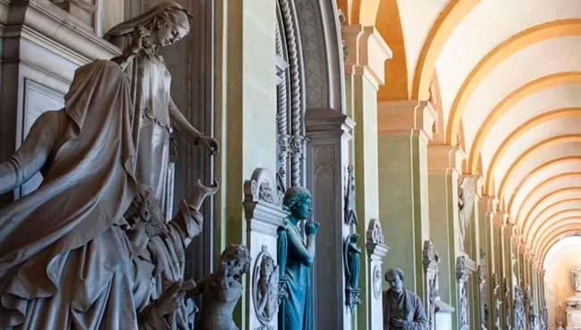 Turisti stregati dai gioielli di Staglieno